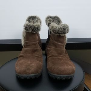 KHOMBU Lindsey Brown Suede Booties